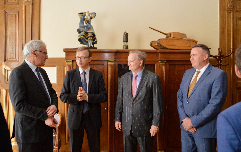 Signature des partenariats avec EDF et avec la Fondation Sommer 6