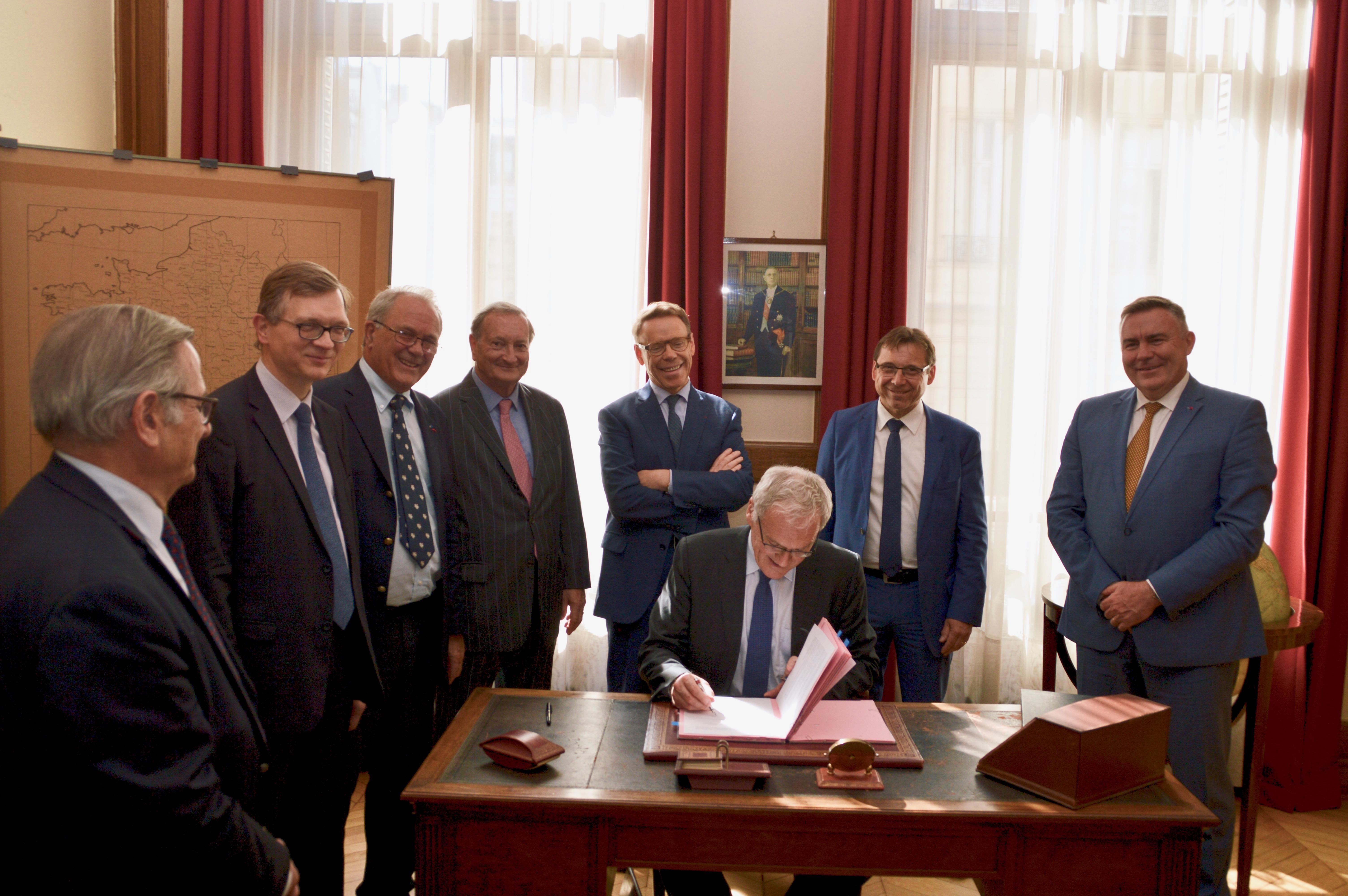 Signature des partenariats avec EDF et avec la Fondation Sommer 10