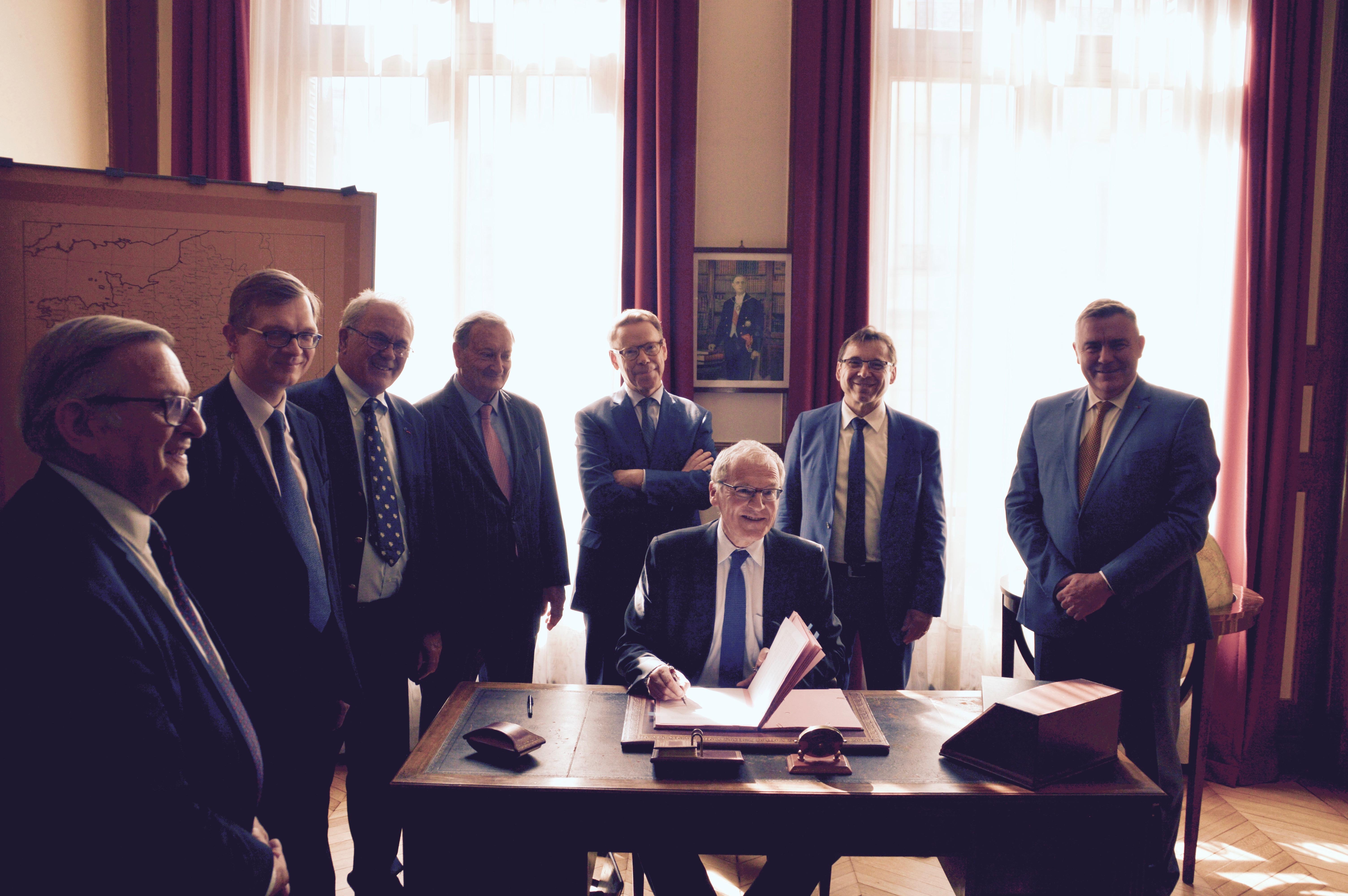 Signature des partenariats avec EDF et avec la Fondation Sommer 11