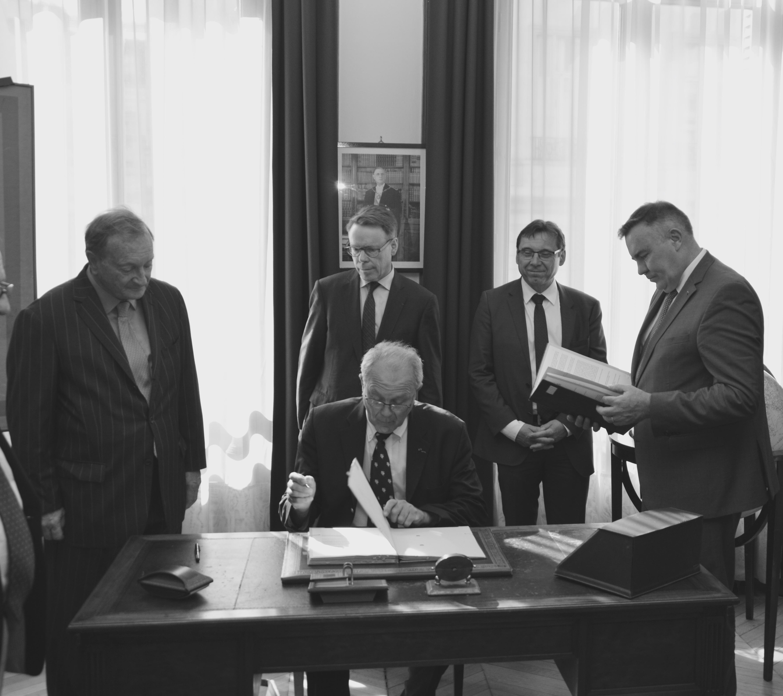 Signature des partenariats avec EDF et avec la Fondation Sommer 12