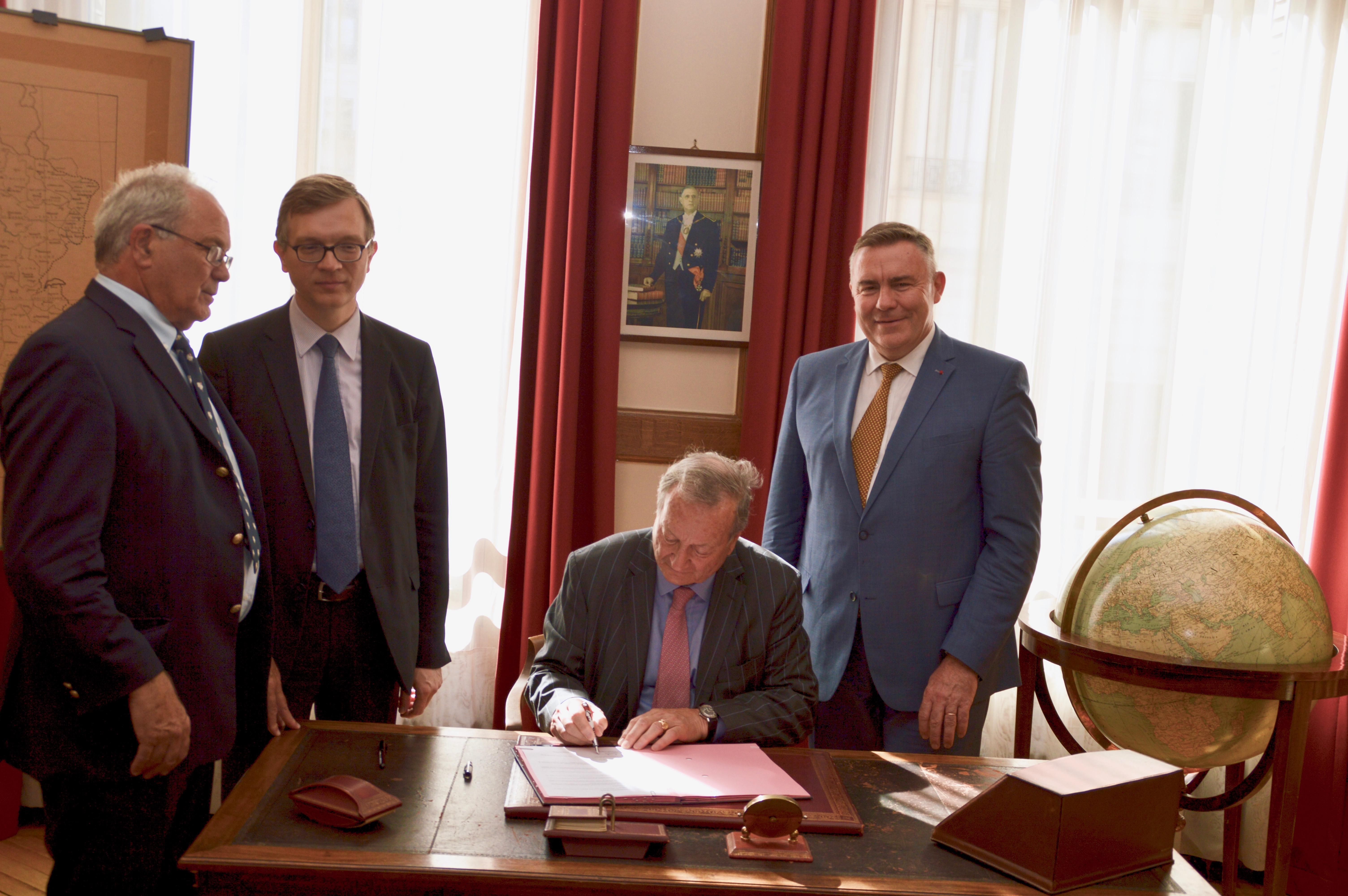 Signature des partenariats avec EDF et avec la Fondation Sommer 14