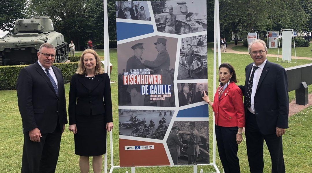 Hommage aux généraux Eisenhower et de Gaulle à Bayeux