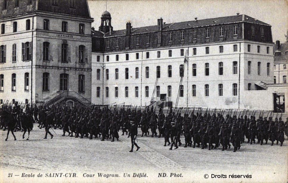 01/02/1921 : Professeur d'histoire à l'Ecole spéciale militaire de Saint-Cyr