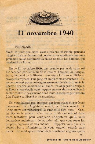 11/11/1940 : Défilé d'étudiants sur les Champs-Elysées à Paris