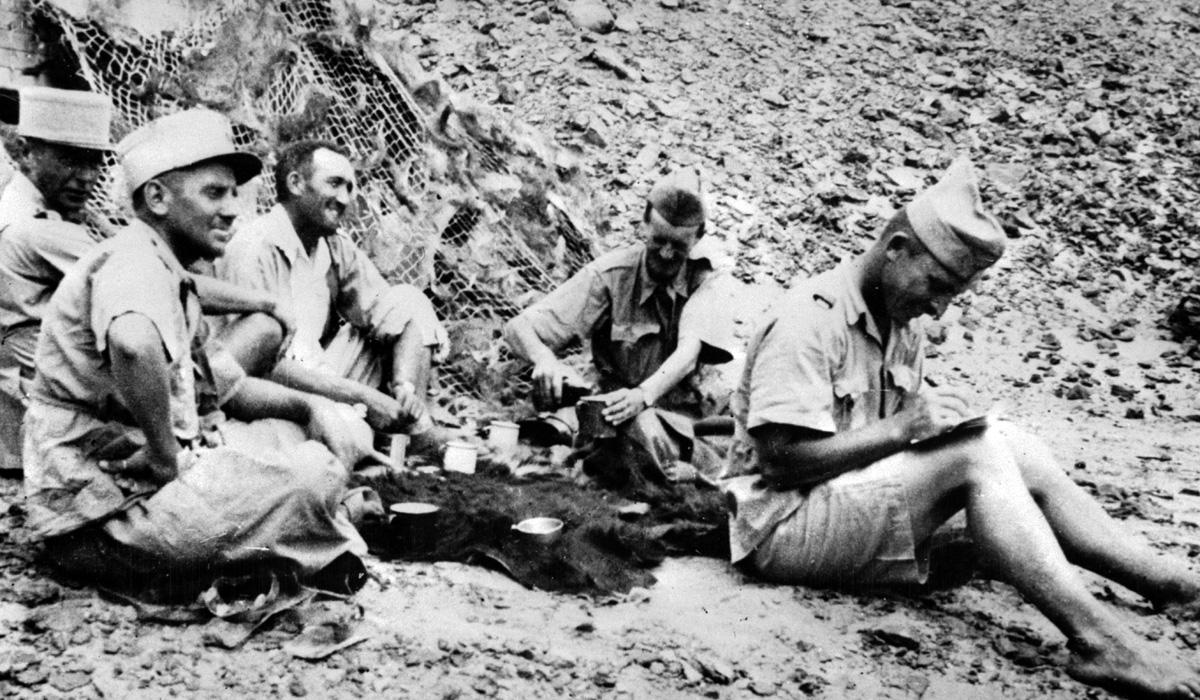 le colonel Leclerc et ses officiers d'état-major au Fezzan (Libye)