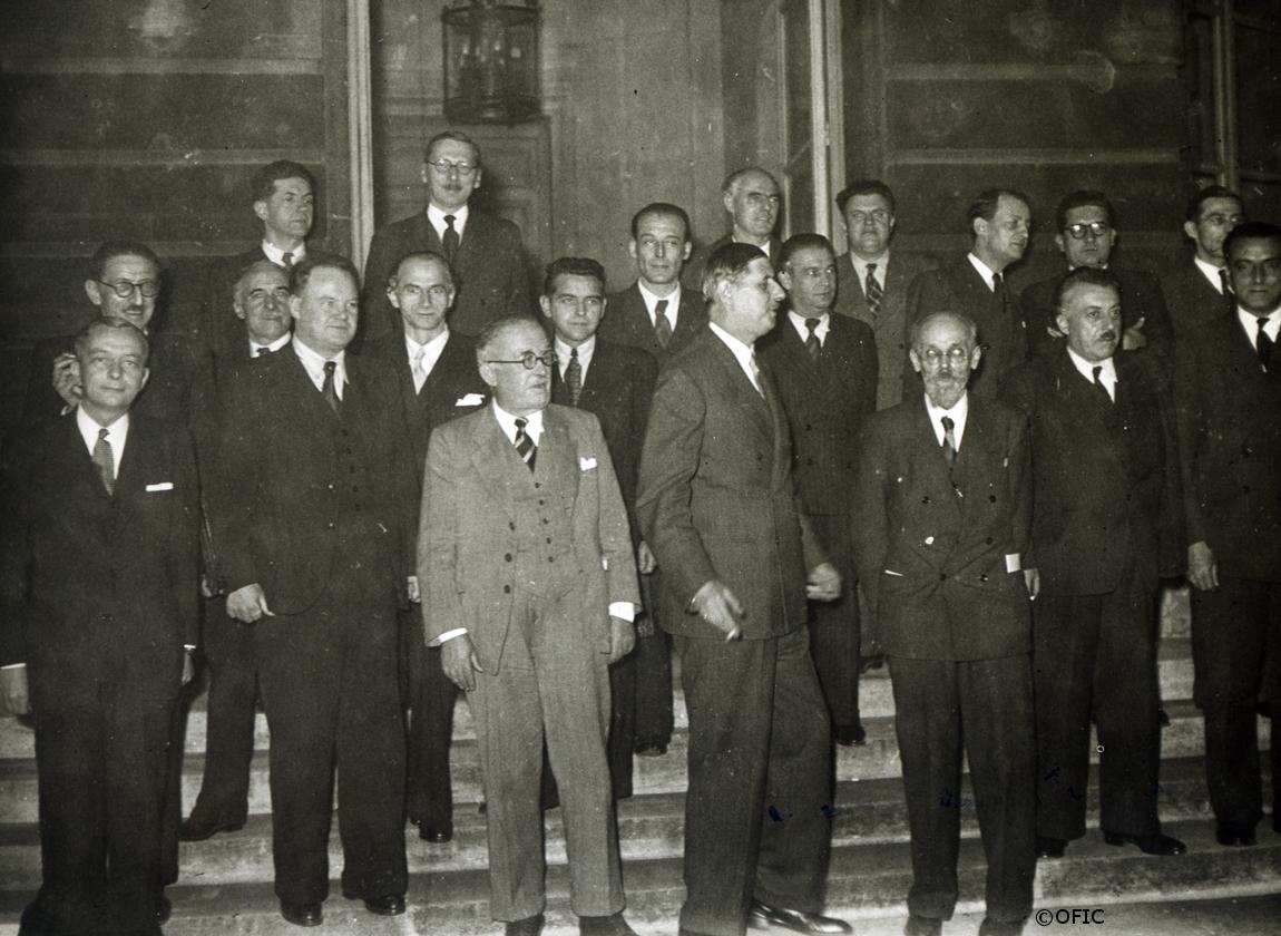 23/11/1945 : Le général, élu à la tête du GPRF, présente son gouvernement