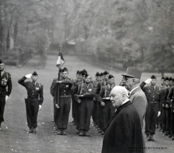 06/11/1958 : Churchill reçoit la croix de la Libération