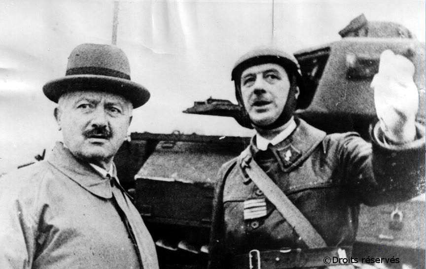 23/10/1939 : L'unité du colonel de Gaulle est passée en revue par Albert Lebrun