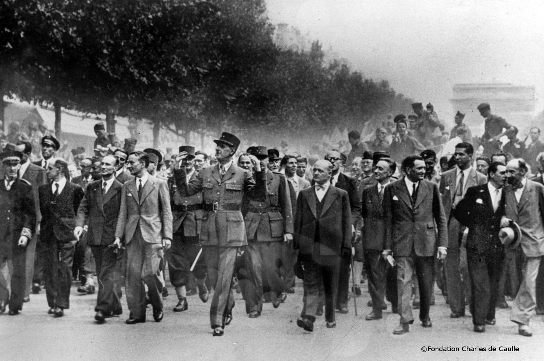 26/08/1944 : Descente des Champs-Elysées
