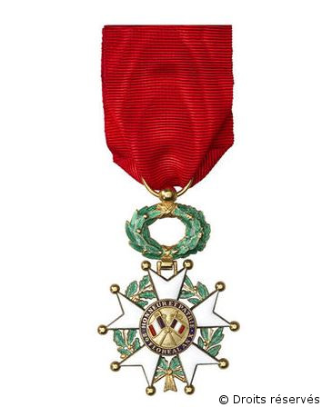 19/12/1934 : De Gaulle promu officier de la Légion d'honneur